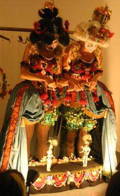 http://thelittletheatreofdolls.blogspot.com/