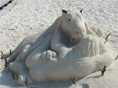 Sleeping lady and horse (!) at Kuredu Maldives Resort, Sand Art, Sleep, Horses, Lady, Animals, Animales, Animaux, Animal