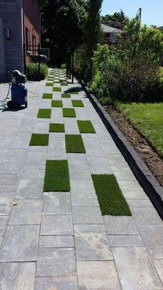 Pas gazon sentier jardin dalles gris vert