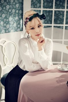 Lovely retro style - Taeyeon  GIRLS'GENERATION - Lion Heart - Taeyeon