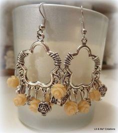Lili et Ma* créations bijoux boucles d'oreille pendentif fleur,roses beiges