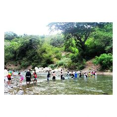 This will forever be my favorite part of our trip to Minalungao. When the boys of JESUS THE SAVIOR worked in unity to help the girls and other hikers to pass by the fast flowing river. Oh how wonderful to see the children of God walking in faith with unity and love! Praise GOD! @kayernphotography  #kayernphotography #tyntraveldiary #wanderlust #wanderer #instatravel #travelph #wanderph #wander #traveldiary #inspiredtraveler #travelgram #travelbox #itsmorefuninthePhilippines #ILovePinas…