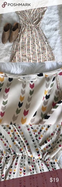 """Anthropologie brand Everly chevron dress sz Small Anthropology and Nordstrom brand """"everly"""" cute sleeveless dress perfect for fall. Size small. Offers welcome. Everly Dresses"""