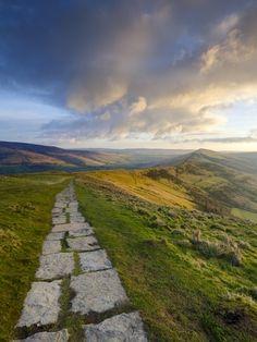 England Travel Inspiration - The Great Ridge Pathway, Mam Tor, Hope Valley, Castleton, Peak District National Park, Derbyshire, UK
