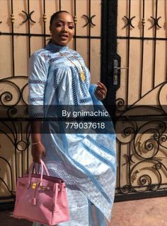 Pin by therese on Vêtements et accessoires Latest African Fashion Dresses, African Print Fashion, Fashion Prints, African Attire, African Wear, African Dress, African Traditional Dresses, Traditional Outfits, Muslim Fashion