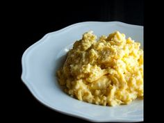 We love to make our scrambled eggs Gordon Ramsey style! These super soft & creamy scrambled eggs always turn out perfectly! Breakfast Dishes, Breakfast Time, Breakfast Recipes, Paleo Breakfast, Breakfast Ideas, Chef Recipes, Egg Recipes, Cooking Recipes, Cooking Tips