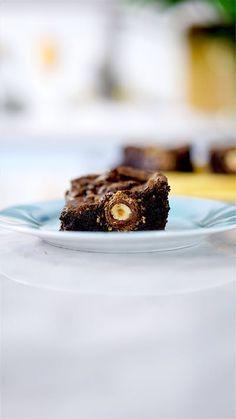 Você vai sonhar com esse irresistível brownie de ferrero rocher.