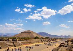Mexico er så kendt for deres pyramider - og Solens Pyramide uden for Mexico City er en af de mest imponerende!