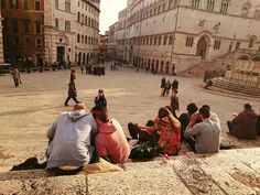 Looking for things to do in Perugia, the main city in the stunning Umbria region? Here we share 5 things to do and where to stay in Perugia! Perugia Italy, Genoa Italy, Umbria Italy, Italy Italy, Italy Tourist Attractions, European Travel, Google Images, Milan, Things To Do