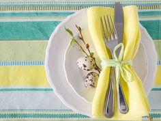 Tavola di Pasqua in giallo