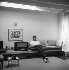 Anthony Perkins at home in Los Angeles 1959 - Sid Avery - Becker Minty