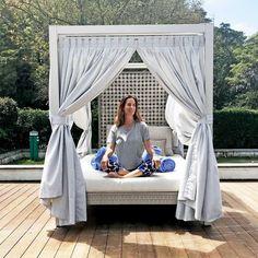 Ritual of the Moon Yogaretreat im Tivoli Palacio de Seteais – Sintra, Portugal Bali, Sintra Portugal, Yoga Retreat, I Am Happy, Sunny Days, Sunnies, Outdoor Decor, Moon, Instagram