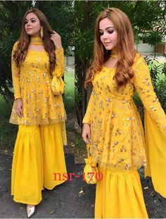 Party Wear Indian Dresses, Designer Party Wear Dresses, Indian Gowns Dresses, Dress Indian Style, Indian Fashion Dresses, Indian Wedding Outfits, Indian Designer Outfits, Pakistani Dresses, Indian Outfits