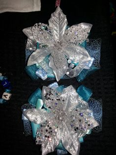 Frozen theme hair bows