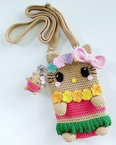 Crochet Phone Cover, Crochet Cushion Cover, Crochet Case, Crochet Cushions, Love Crochet, Crochet Gifts, Octopus Crochet Pattern, Crochet Purse Patterns, Crochet Shoes