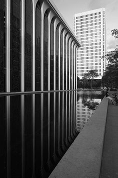 Former Northwestern National Life Insurance museum, Washington - Minoru Yamasaki & Assoocietes. Photography - Pete Sierger via flikr
