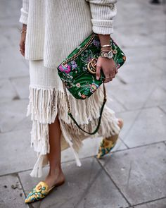 Fringing - Fall fashion trends 2018 - with fall outfit ideas including neutrals,. - Fringing – Fall fashion trends 2018 – with fall outfit ideas including neutrals,… – # - Street Style Blog, Looks Street Style, Looks Style, My Style, Street Style 2018, Street Chic, Look Hippie Chic, Look Boho, Fashion 2018