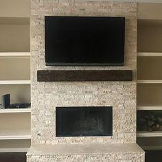 Farmhouse Fireplace Mantels, Fireplace Built Ins, Rustic Fireplaces, Faux Fireplace, Fireplace Remodel, Fireplace Mantle, Living Room With Fireplace, Fireplaces With Tv Above, Stone Fireplaces