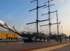Conexion Cartagena le ofrece la mejor opción para casarse en el mar.... en la bahía... Sailing Ships, Boat, Cartagena, Getting Married, Walks, Transportation, Fotografia, Dinghy, Boats