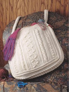 Aran Sampler Free Crochet Tote Pattern -  free-crochet.com - free registration required