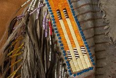 porcupine quillwork | ... are wrapped with red, white, yellow and purple porcupine quills. İ