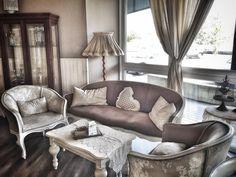 Buongiorno mi siedo qui...un caffè...in tazza da litro. Grazie. #buongiono #colazione #lapatisserie #bassanodelgrappa #colazionetime #colazioneitaliana #vintage #breakfast #instafood #instadaily #picoftheday #love #followme #daianalorenzato #italianexperience #beautiful #foodie #foodlover #lifestyle