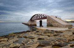 New St. Elmo Breakwater Footbridge in Valletta Grand Harbour / Arenas & Asociados