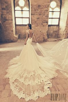 Julia Kontogruni 2015 collection - Bridal - http://www.flip-zone.com/fashion/bridal/the-bride/julia-kontogruni-5285