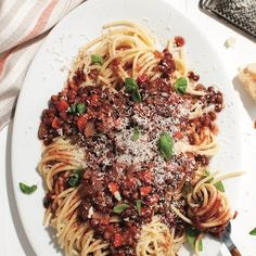 Hearty, saucy bolognese pasta...that's vegetarian? (It's so delicious, no one will even notice.) Get the recipe and more at Chatelaine.com