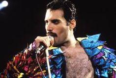 Que a voz de Freddie Mercury é incomparável todo mundo sabe. E agora, tecnicamente falando, um...