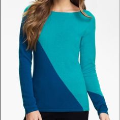 """HP 100% Cashmere sweater Cashmere sweater with asymmetrical pattern across front and sleeves. Scoop neck. Teal and a dark blue color. Brand is Lauren Hansen.  Size XL. Measures 21"""" armpit to armpit and 27"""" shoulder to hem.  Lightweight piece but still cozy. Host pick for Steals and Splurges 10/16 Lauren Hansen Sweaters Crew & Scoop Necks"""