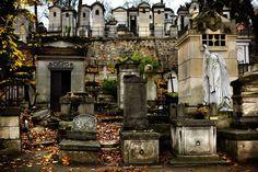 El cementerio de Père Lachaise, imprescindible lugar para los fetichistas de la literatura clásica. París