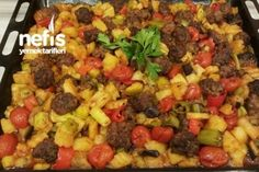 Fırında Misket Köfteli Türlü Tarifi Turkish Recipes, Ethnic Recipes, Iftar, Fruit Salad, Feel Good, Macaroni And Cheese, Salsa, Meat, Chicken