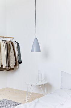 Harmaa on uusi musta. // Grey is the new black. Decor, Unclutter, Small Spaces, Interior, Lamp, Home Decor, Inside, Scandinavian Decor, Minimalist Home