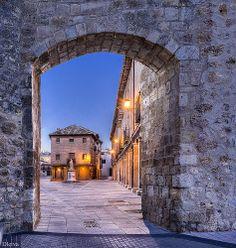 Puerta de San Miguel (Burgo de Osma, Soria, Spain)