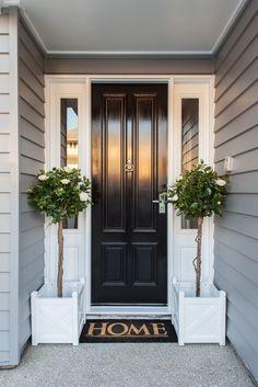 70 Best Modern Farmhouse Front Door Entrance Design Ideas 59 – Home Design House Design, New Homes, Hamptons House, Exterior Design, Modern Farmhouse, House Entrance, Front Door, Hamptons Style Homes, House Exterior