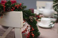 Weihnachtskränze, Adventskränze, Weihnachten, Kränze, Dekoideen, Winter, DIY, Weihnachtsmenü, Glühwein, Spekulatiusgugelhupf, Herbst- und Wintergemüse-Auflauf, Käsesouffle, Filetköpfe, Selleriegemüse, hausgemachtes Pesto, One Pot Apfel Most Hendl, Adventfeier, Weihnachtsfeier, advent wreath, christmas wreath, wreaths, christmas, decor, decoration ideas, christmas menu, mulled wine, speculoos bundt cake, winter vegetables, cheese souffle, filet heads, one pot apple cider chicken, christmas… Winter Diy, Christmas Wreaths, Table Decorations, Holiday Decor, Party, Furniture, Home Decor, Christmas Time, Homemade