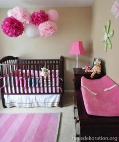 Unique  babyzimmer dekorieren m dchen rosa pompoms wickeltisch