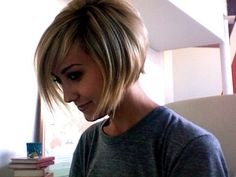 to bob again or not to bob...that is the question! Love all the variety with long hair. Love the look of a cleanly cut bob. Hmmmmm....