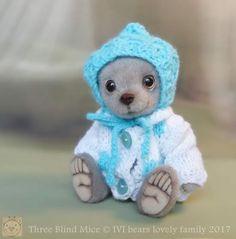Peep By Iveta Rakova - Bear Pile