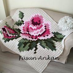 Shared via Flipboard Crochet Pixel, Crochet Motifs, Crochet Cross, Crochet Chart, Crochet Home, Crochet Doilies, Crochet Flowers, Crochet Patterns, Crochet Square Blanket