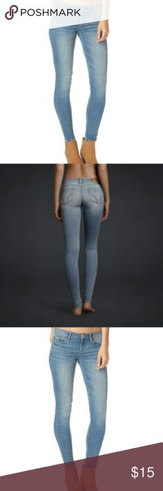 """NWOT aeropostle light wash skinny jeans NWOT Beautiful designer brand aeropostle skinny jeans size 8regular, 31 """"inseam, super stretchy, fitting so it shows off your body!New! Comfortable, breathable, brand new!Selling this beautiful designer brand for a great price!New!Never worn. Washable. Aeropostale Jeans Skinny"""