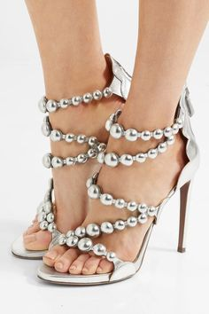 Featured Shoes: Alaïa, Via NET-A-PORTER; Fashionable shoes inspiration.