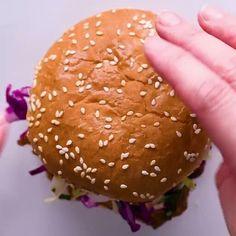 tasty video Burger and Bun Easy Recipe Meat Recipes, Indian Food Recipes, Cooking Recipes, Tasty Videos, Food Videos, Cooking Videos Tasty, Good Food, Yummy Food, Yummy Yummy