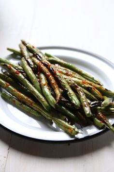 Grilled Green Beans with Harissa - a super healthy, paleo, and Whole30 ...