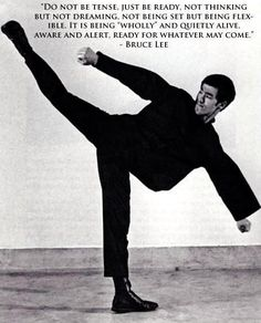 Forever Bruce Lee -the little dragon- plus Steven Seagal, Jackie Chan, Chuck Norris, Kung Fu, Eminem, Bruce Lee Training, Martial Arts Quotes, Bruce Lee Martial Arts, Bruce Lee Photos