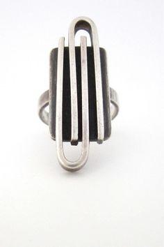 Joseph Skinger, American Modernist vintage sterling silver large 'paperclip' ring