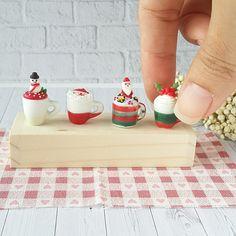 4x Mugs Mini Christmas Gift Dollhouse Miniatures Food Supply Decor Santa Doll