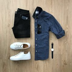 Men's fashion at 20 years old : What you don't know. men's fashion style tips for years guys Casual Wear, Casual Outfits, Men Casual, Fashion Outfits, Fashion Fashion, Fashion Sale, Runway Fashion, Paris Fashion, Fasion