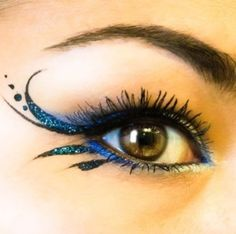 Prachtige Blauwe Oogschaduw -- Wonderful Blue Eyeshadow.